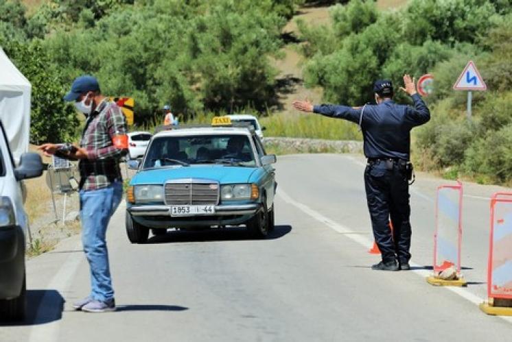 """""""باراجات"""" الأمن تمنعُ عشرات المصطفّين من ولوجِ مدن """"الشّمال"""""""
