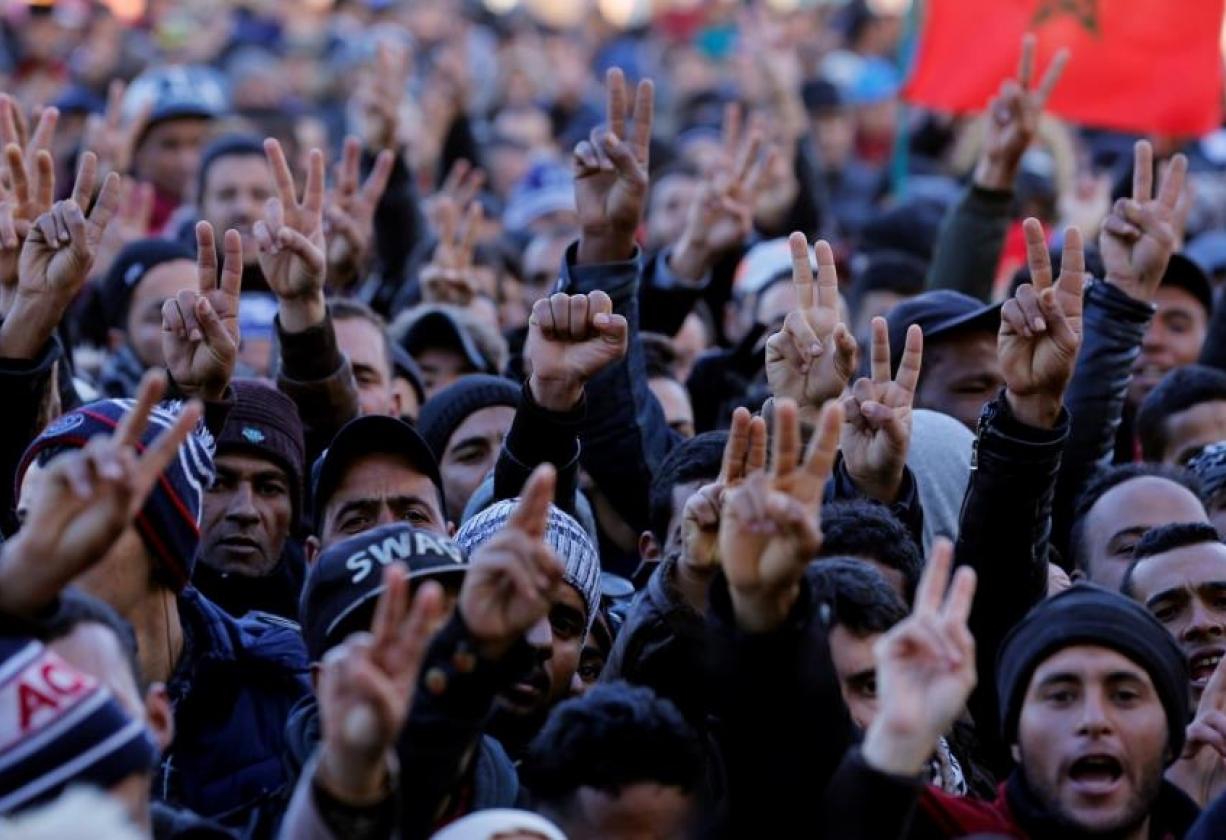 حكومة العثماني تُعد سيناريو مرعب لخفض أجور جميع الموظفين