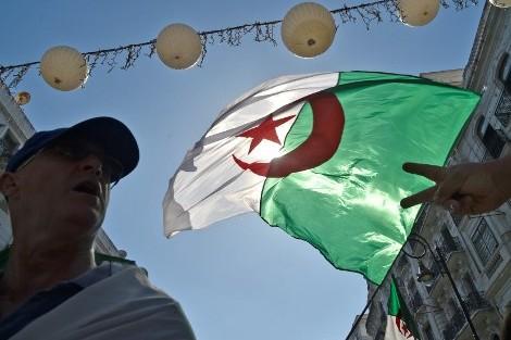 """""""معاكسة النظام"""" تدفع الجزائر إلى استهداف رؤساء بلديات """"القبايل"""""""