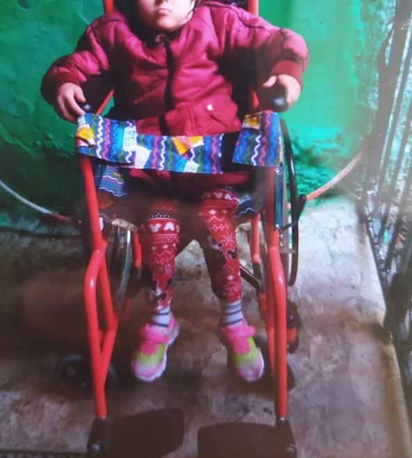 نداء للمحسنين من أجل مساعدة طفلة مريضة على العلاج
