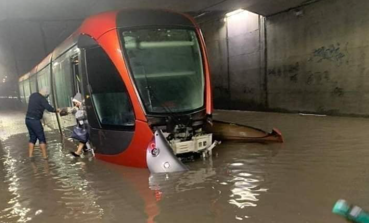 حماة المال العام: فيضانات البيضاء أظهرت حقيقة البنيات التحتية وفضحت الفساد والغش