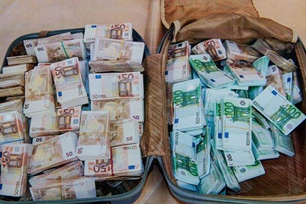 """التصريح ب """"الممتلكات غير الشرعية"""" خارج المغرب بلغ حوالي 6 ملايير درهم"""