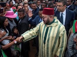 """""""الملك خط أحمر"""" .. شعار يوحد المغاربة أمام سعار الإعلام العسكري الجزائري"""